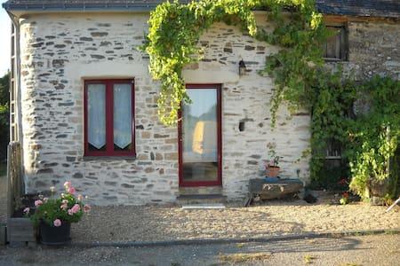 petite maison entre terre et mer - Hus