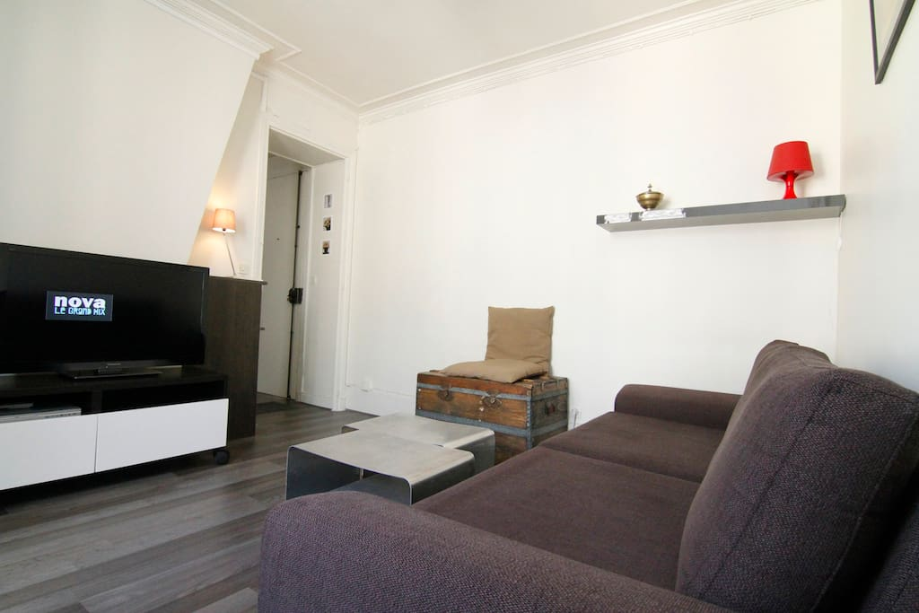 Wood, aluminium, tissu : contemparory  association for a calm place to rest