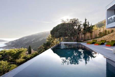Architect villa Saint-Tropez, 5bdr - Dům