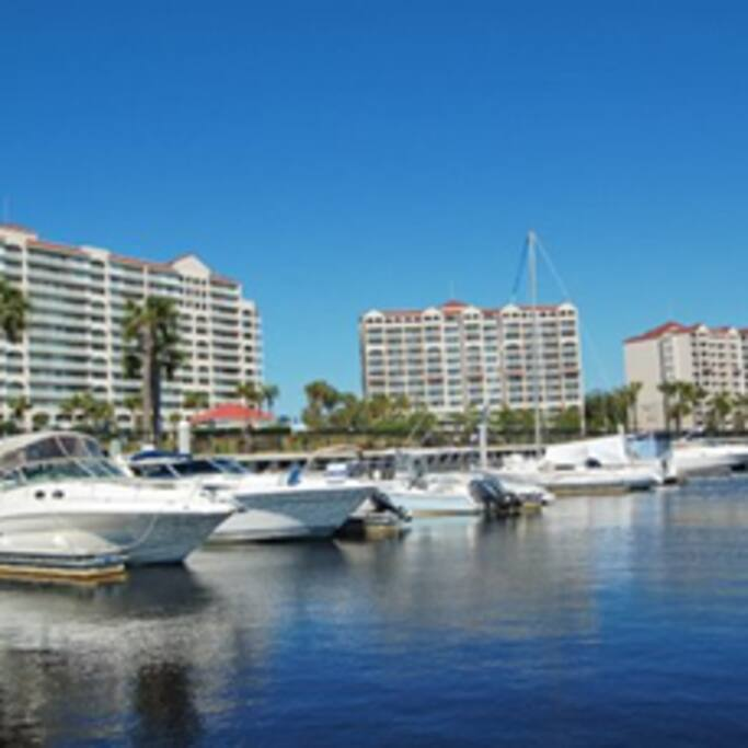 Barefoot Marina...bring your boat, rent a boat or a jet ski!
