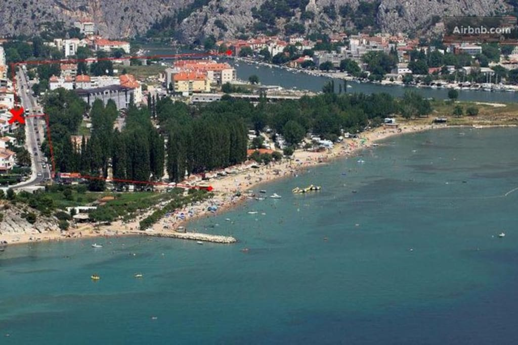 Beach is few minutes walking, and city center 1 km away