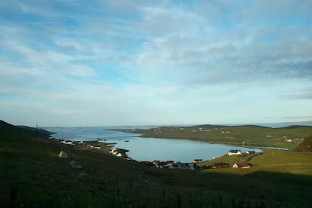 Twin cosy room, Shetland, with private bathroom! - 民宿
