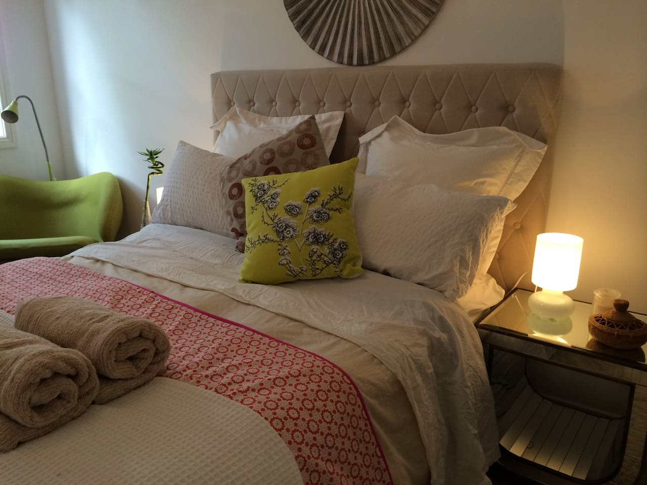 A cosy Queen sized bed with pure cotton sheets