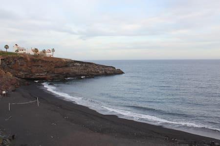 Casa con encanto junto al mar. WIFI - Fasnia - Hus