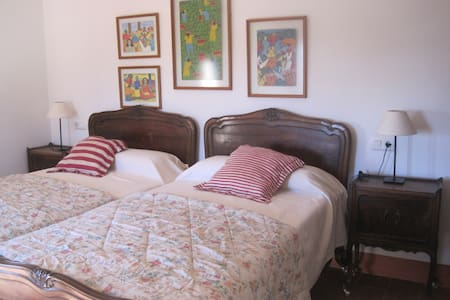 ROOM IN A PRIVATE HOUSE - Almàssera - Bed & Breakfast