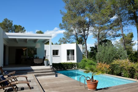 DESIGN VILLA WITH POOL NEAR MONTPELLIER - Saint-Clément-de-Rivière - Villa