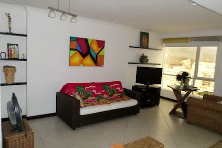 HERMOSO PENTHOUSE PARA SUS VACACIONES. - Santa Marta - Apartemen