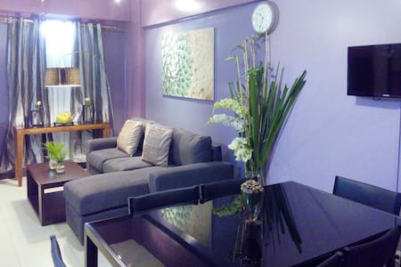 2 BR Fully Furnished Resort Residences near BGC - Taguig - Condominium