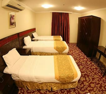 Book your room near Harm in Makkha - Appartement