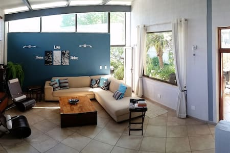 Twin Bedroom available in Parkhurst - Hus