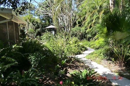 Garden home in good location - Huis