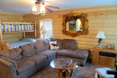 **Authentic cozy log cabin** - Casa