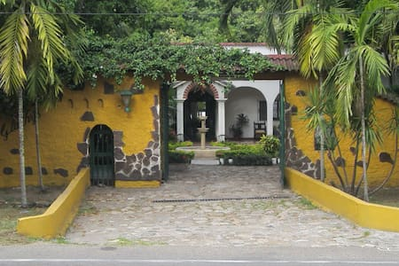 Casa Quinta Villa Gladhys en Honda - Tolima - Villa