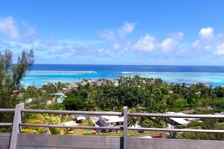 Beautiful Hillside Villa with View - Villa