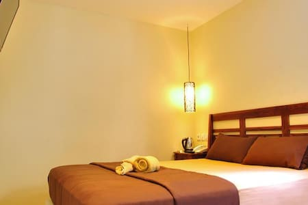 Kuta Sari ( Cozy budget in Kuta 2 ) - Kuta - Bed & Breakfast
