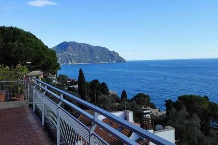Breathtaking seafront view attic - MyGe - Sori - Apartmen