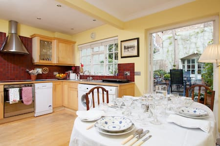 CHARMING DBL IN SMART PARSONS GREEN