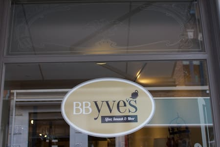 BB Yve's in the center of Roermond - Oda + Kahvaltı