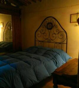 Suggestiva camera doppia in fienile - Lucignano D'arbia - Talo