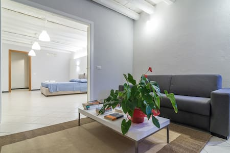 Cool, ideal for families, Castello wifi apartment - Appartement