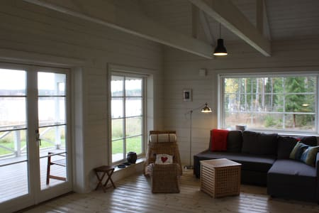 Countryside cottage close to both city and nature - Karlstad - Cabaña