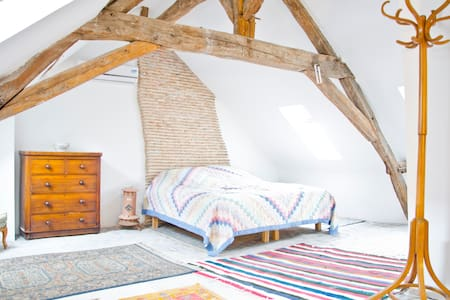 Arty loft conversion sleeps 3 - Pontlevoy - Loft