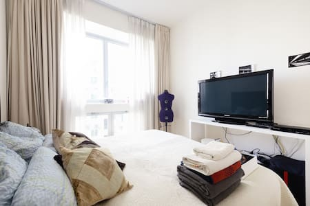 Luxurious Condo by the Sea - 1 BR - Singapore