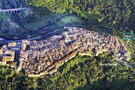 Pitigliano IS Toscana PURE!