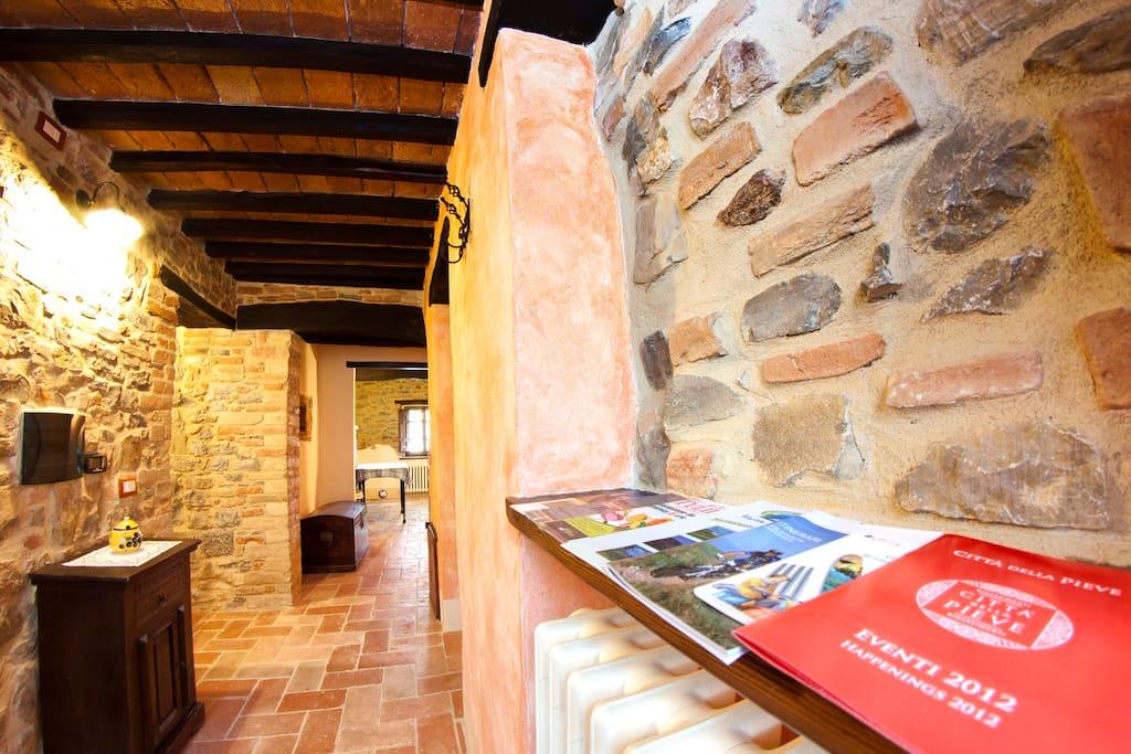 Il Borghetto ed i suoi antichi casali in pietra