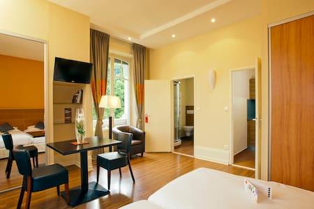 Grand appartement Luxeuil les Bains - Luxeuil-les-Bains - Apartament