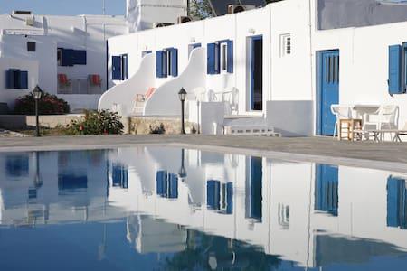 Nikos rooms 1 - Condominium