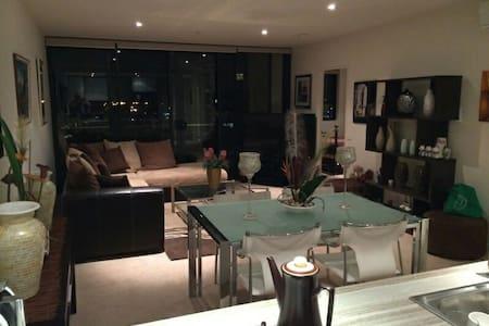 Short term rental near city 304 - Lyneham