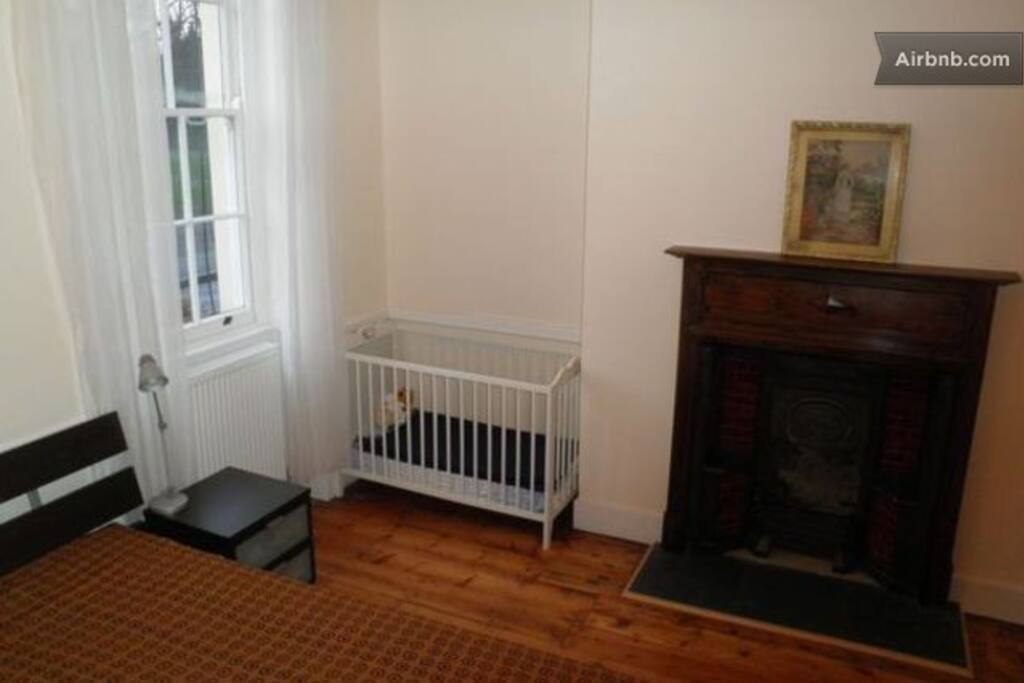 Bedroom with Baby bed if needed