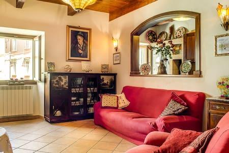 Rita's house in Tagliacozzo center - Lägenhet