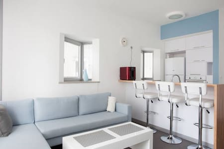 Gay friendly Private Room in a NEW & MODERN APT - Wohnung
