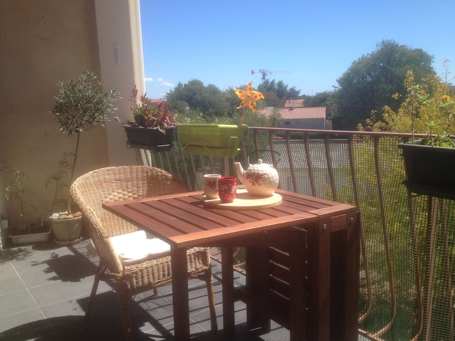 Petit-déjeuner au soleil ! / Sunny breakfast !