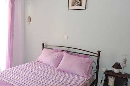 Sunny apartment in Keratsini, Piraeus - Wohnung