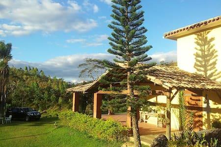 Casa de Campo Fazenda Águas Claras - Mökki