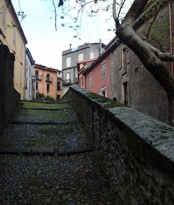 Casa centro storico, per brevi e medi periodi - Hus