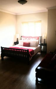 Lovely pvt room centrally located