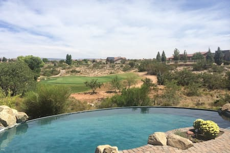 AZ Escape - Golf course family home - Haus