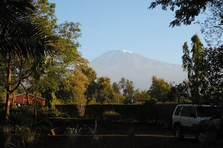 More Than A Drop 6 - Kili view - Bed & Breakfast