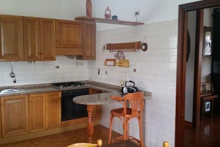 grande casa piano rialzato - House