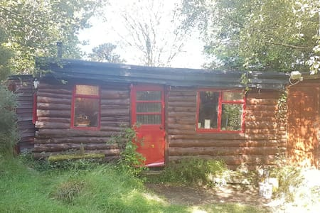 Secluded Log Cabin - Wicklow, IE - Cabaña