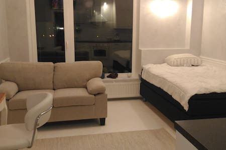 Super Flat, 很好,PETERHOF-AIRPORT-CITY - Apartment