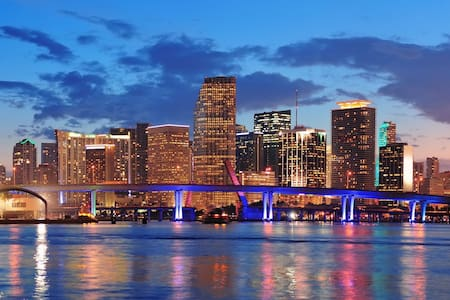 Enjoy the Miami Beach at the Best Location - Lejlighed