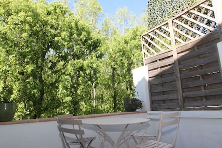 Appartement with terrasse, core of the village - Apartment