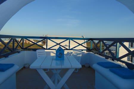 Sunny, sea view apartment - Santorini - Huvila