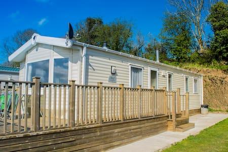 Modern spacious Static caravans sleeps 8 - Ashburton - Cabin