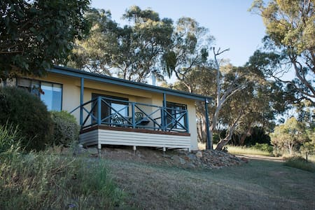 Riesling Country Cottages - Hill River - Bed & Breakfast
